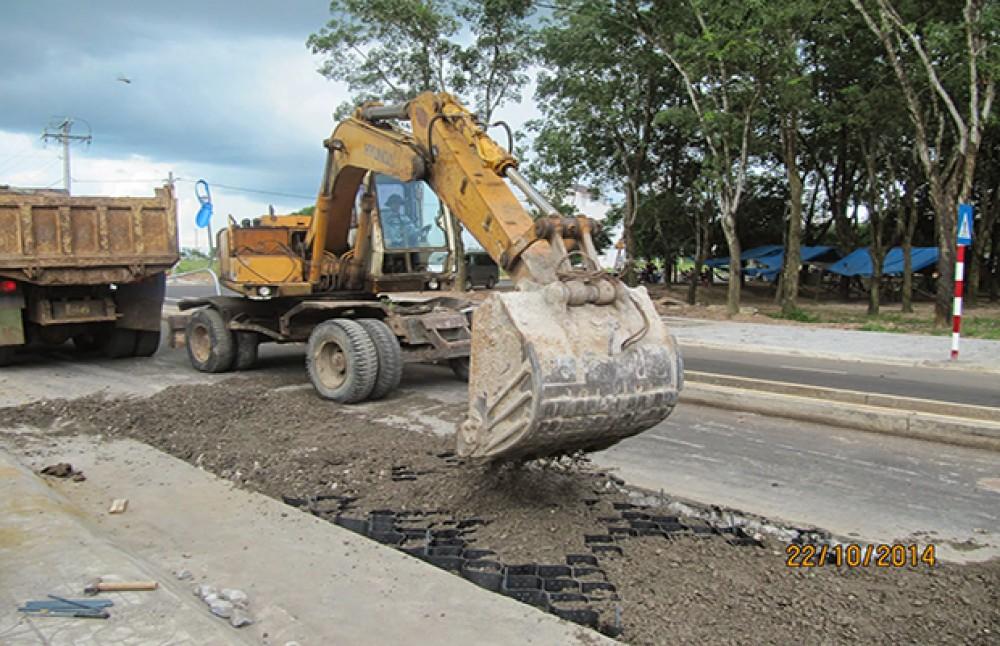 Ứng dụng thí điểm Neoloy gia cố mặt đường tại Đồng Nai (2014)